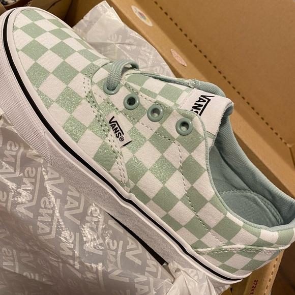 Size 4y 55w Vans Sneakers | Poshmark